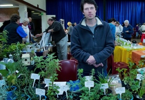 Johan offers a wide range of organic herbs, plants and accessories